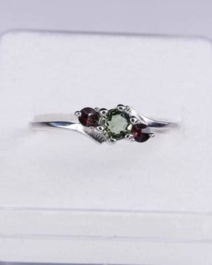 Rare High Quality Moldavite Ring with Garnet (1.8grams) Ring Size: 59 (8.88 US) 2