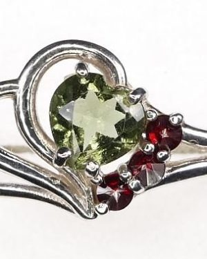 High Quality Grade Heart Cut Faceted Moldavite with Garnet (1.4grams) Ring Size: 56 (USA 7 3/4) 1