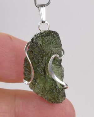 Authentic Original Design Fine Shape Moldavite with Certificate of Authenticity (5.1grams) 2