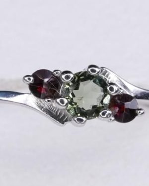 4mm Moldavite with Garnet Sterling Silver Ring (1.6grams) Ring Size: 58 (US 8 1/2) 1