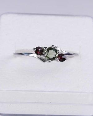 4mm Moldavite with Garnet Sterling Silver Ring (1.6grams) Ring Size: 58 (US 8 1/2) 2