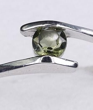 Dazzling Round Cut Moldavite In Sterling Silver Ring (1.3grams) Ring Size: 56 (USA 7 3/4) 1