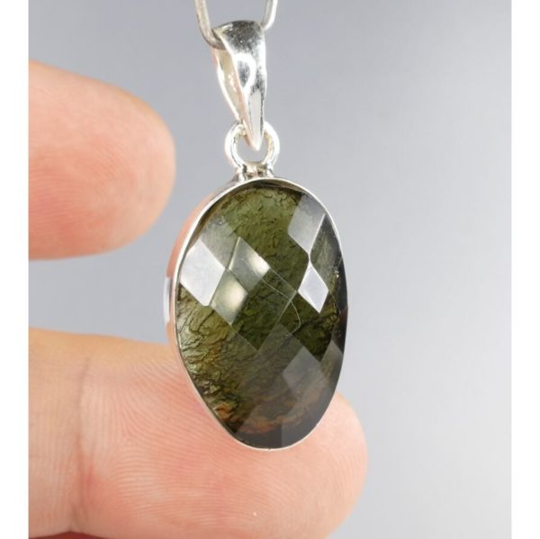 Beautiful Round One Side Faceted Modlavite In Sterling Silver Pendant (4.2grams) 1