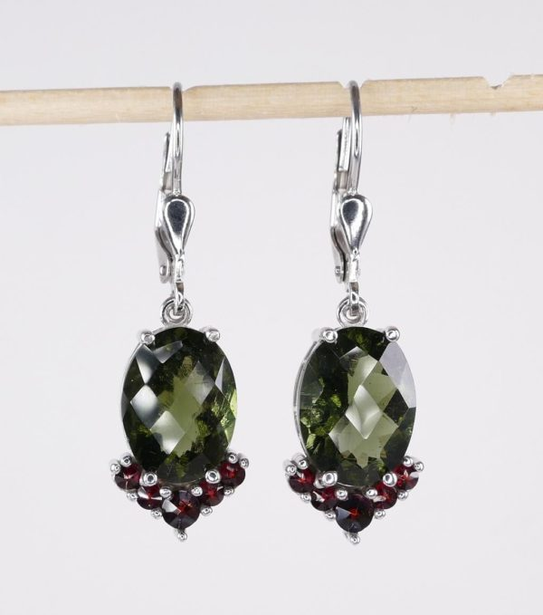 Elegant Oval Cut With Garnet Sterling Silver Earrings (4.9grams) 1