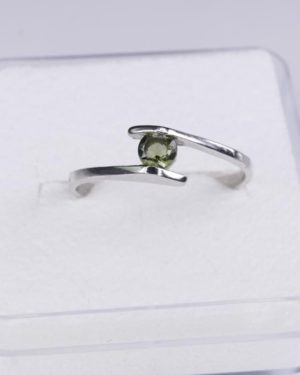 Dazzling Round Cut Moldavite In Sterling Silver Ring (1.3grams) Ring Size: 56 (USA 7 3/4) 2