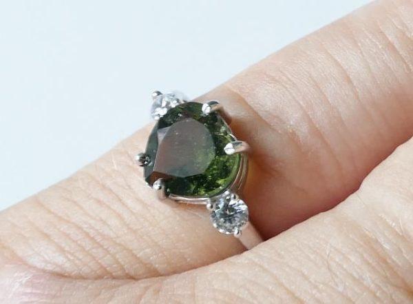Elegant Heart Shape Moldavite In Sterling Silver Ring (2.0grams) Ring Size: 57 (USA 8 1/4) 5