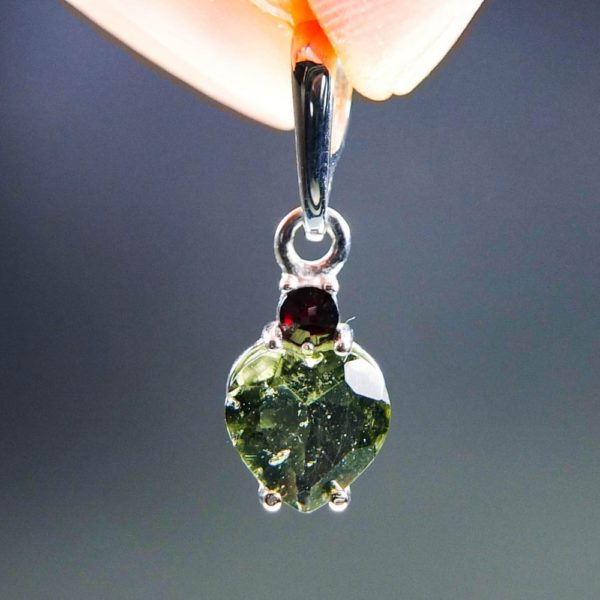 heart shape faceted moldavite and garnet pendant (1.34grams) 1